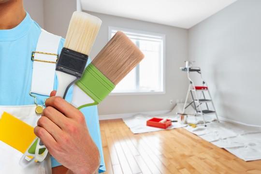 Как выбрать профессиональный инструмент для покраски и отделки стен