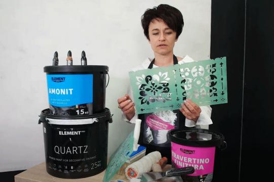 Відео: Як наносити трафаретну декоративну штукатурку